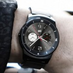 LG G Watch R on hand