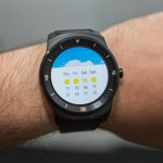 LG G Watch R shows weather